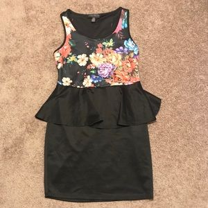 Forever 21 Dresses - Forever 21 Plus floral peplum sleeveless dress